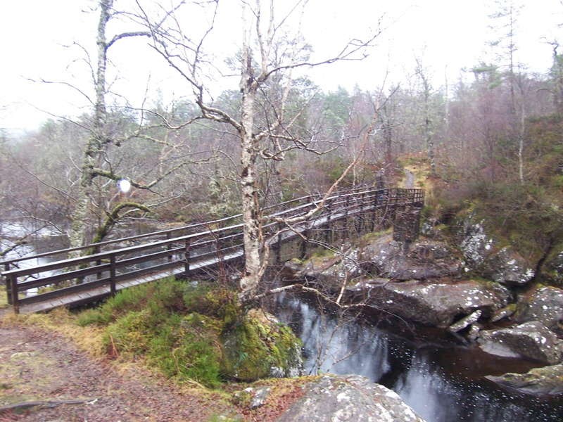 Footbridge over River Affric at start of path into Glen Affric forest