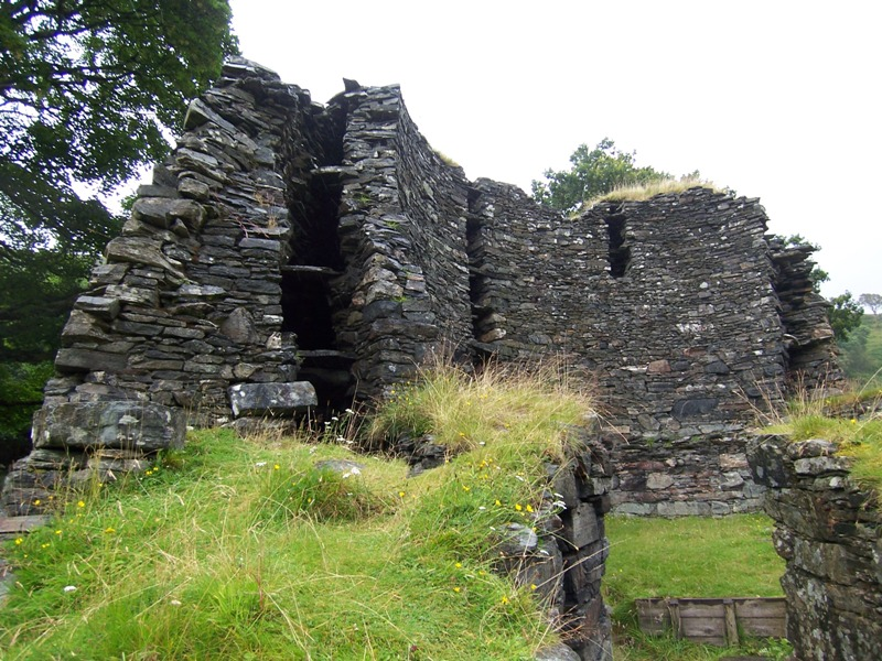 View showing internal structure of Dun Telve Broch at Glenelg