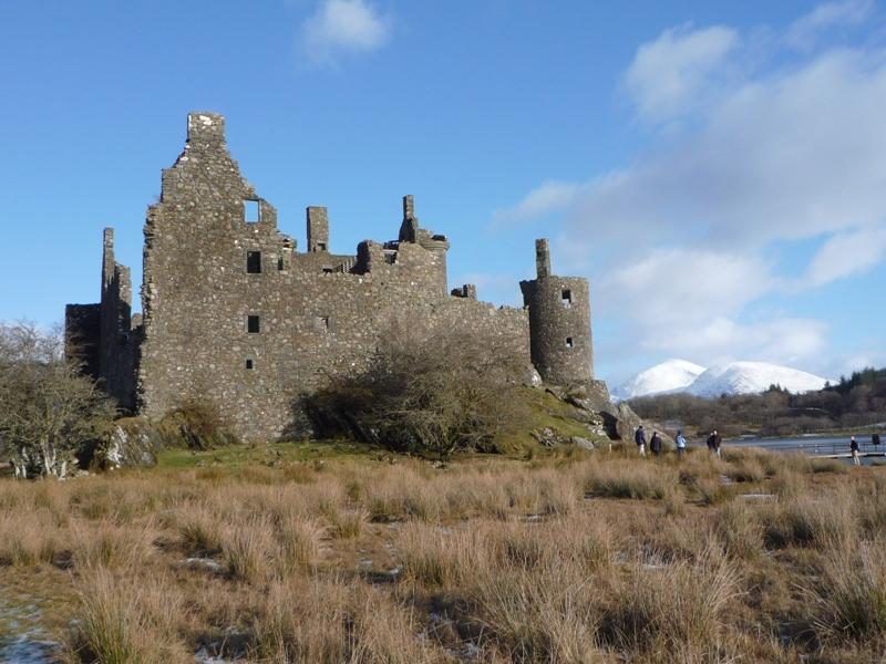 Kilchurn Castle in sunlight