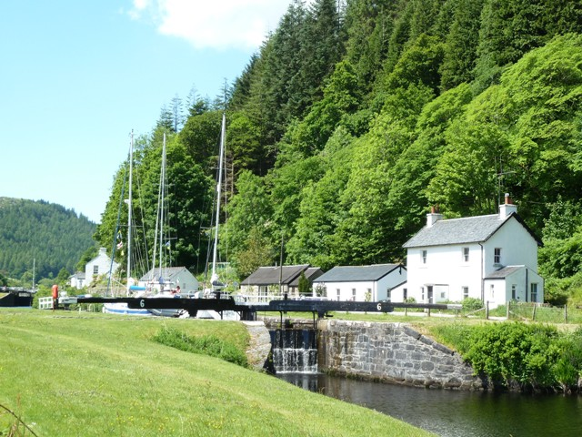 The road beside the Crinan Canal