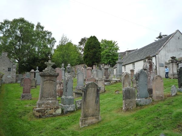 Graves at Dunlichity Kirk