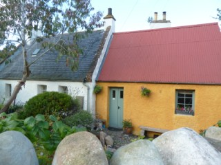 Orange cottage Cromarty