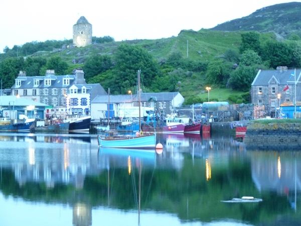 Tarbert Harbour at dusk